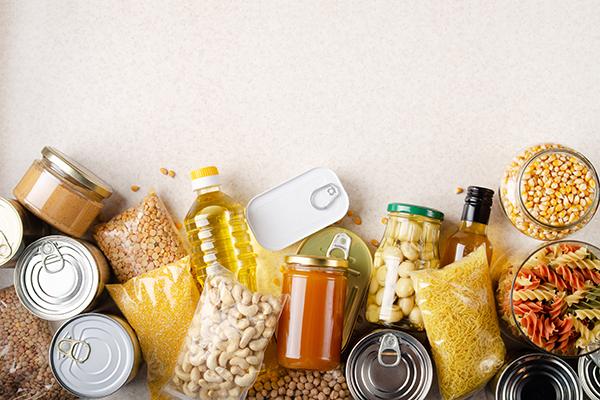 féculents, conserves, huile
